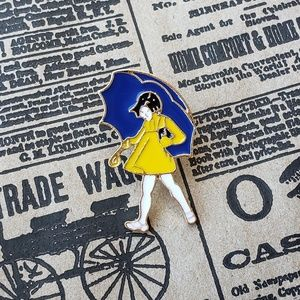 {5/$25} Morton salt girl pin